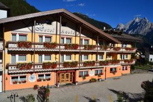 Hotel Azola - Canazei di Fassa