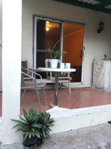 Central Apartment for a tropical wellness retreat - APT 2