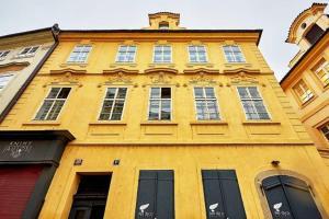 Baroque antique house