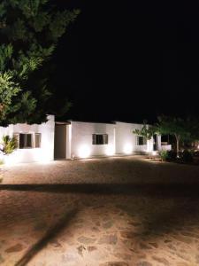 Sandy beach house Antiparos Greece