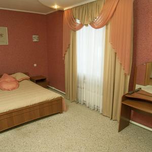 Готельний комплекс Самікс