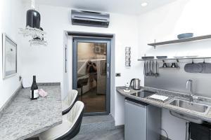 The Essential Trastevere Design Studio - abcRoma.com