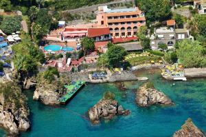Strand Hotel Delfini - AbcAlberghi.com