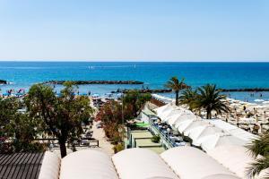 Beach Front Home - Appartamento sulla Spiaggia - AbcAlberghi.com
