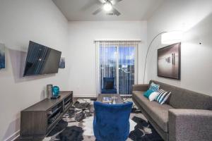 Convenient Midtown Apartment