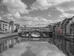 Amazing view of Ponte Vecchio - AbcAlberghi.com