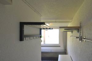 Einfaches Einzelzimmer zum übernachten - Hotel - Beatenberg