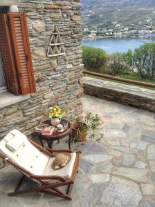 The Bright & Cozy Home with Aegean View Andros Greece