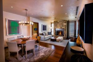 Elevation Resort Residences at Solaris - Vail