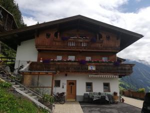 Haus Hochwart - Hotel - Brändberg