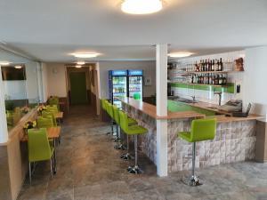 Gasthof Schwanen, Мини-гостиницы  Radelfingen - big - 27