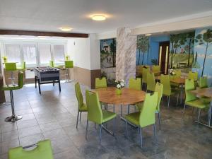 Gasthof Schwanen, Мини-гостиницы  Radelfingen - big - 28