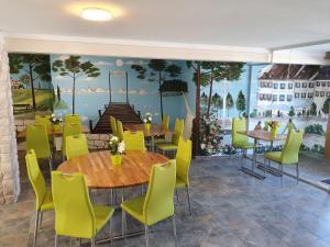 Gasthof Schwanen, Мини-гостиницы  Radelfingen - big - 23