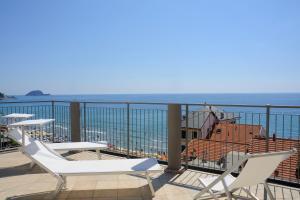 Hotel Enrico - AbcAlberghi.com