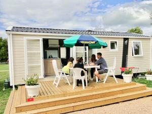 Location gîte, chambres d'hotes Camping Aux Rives du Soleil dans le département Ain 1