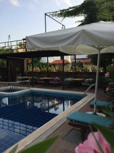 Derin Luxury Hotel