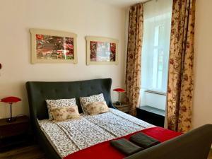 Veronika Rooms