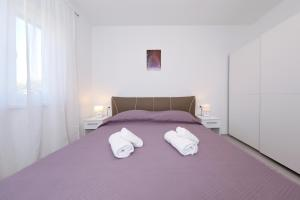 Sunny and restful apartment with free parking Lily