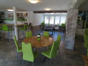Gasthof Schwanen, Мини-гостиницы  Radelfingen - big - 31