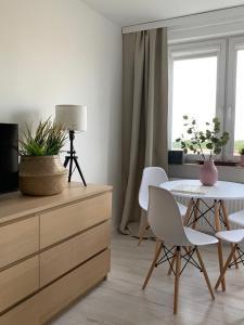 Słoneczny apartament 2 pokojowy z widokiem na zatokę