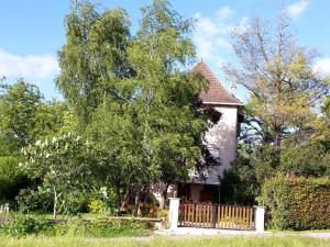 Apartment with 2 bedrooms in Villeneuve, with enclosed garden and WiFi - Hotel - Villeneuve-d'Aveyron