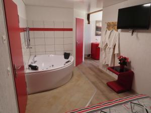 Gasthof Schwanen, Мини-гостиницы  Radelfingen - big - 10