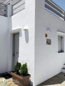 . George's Seaside Apartments Sifnos