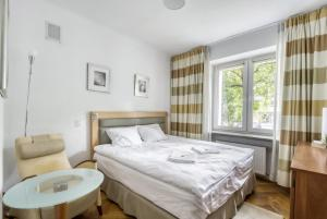 Airport Rooms Obrzeżna by 404 Rooms & Apartments