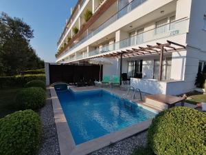 Babylon 1 Luxury Villa with private pool, Pension in Side