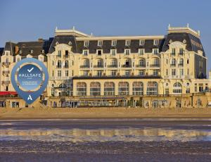 Le Grand Hôtel Cabourg (2 of 91)