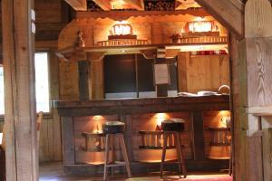 Location gîte, chambres d'hotes Chalet de Charme Le Cécla dans le département Haute Savoie 74