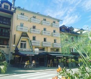 Hôtel Du Midi - Hotel - Thônes