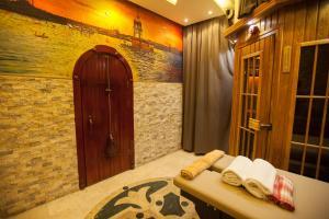 Lapis Inn Hotel & Spa ( Ex. Ambassador Hotel)