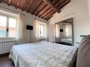 DA BERNARDINO-cozy apartment with bike box - AbcAlberghi.com