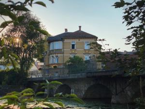 Bridge Apartment