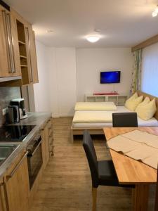 Pension Ahorn - Accommodation - Saalbach Hinterglemm