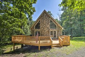 A-Frame with Mtn Views 1 Mile to Whitetail Resort! - Hotel - Mercersburg