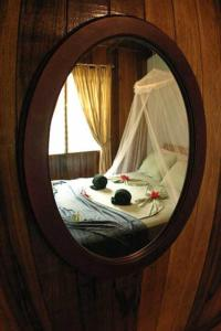 Standard Room with transfer from SJO  05:30am-06:30am + Full Board and 3 Tours Turtle Beach Lodge