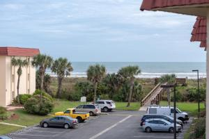 Ocean View Condo, Private Porch, Heated Pool and Hot Tub, Case vacanze  Coquina Gables - big - 3