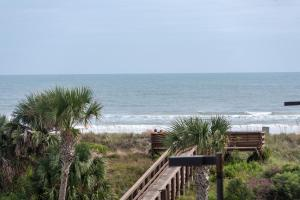Ocean View Condo, Private Porch, Heated Pool and Hot Tub, Case vacanze  Coquina Gables - big - 7
