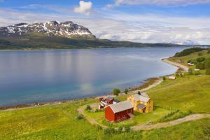Andørja en Idyllisk Perle nær Lofoten med Sauna og Badestamp - Hotel - Ibestad