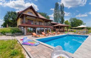Three-Bedroom Holiday Home in Zelezna Gora