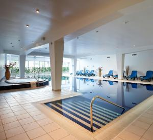 Mercure Cardiff Holland House Hotel and Spa (10 of 50)