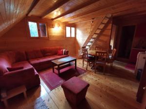 Apartman Bugar - Hotel - Mitrovac