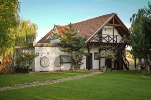 Grand House 47