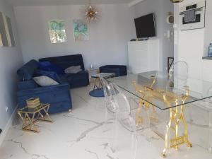 White apartaments Rewal