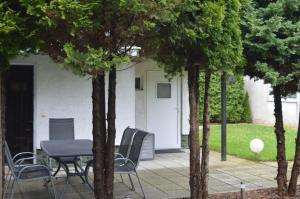 Holiday guest house for 4 persons with garden Baltic Sea