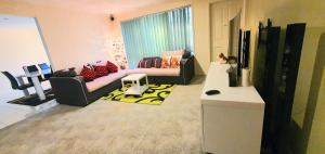 Accommodation in Cranbourne West