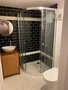 The Raven Suite, Inns  Henley on Thames - big - 3