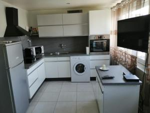 Location d'appartement entièrement meublé près de Genève